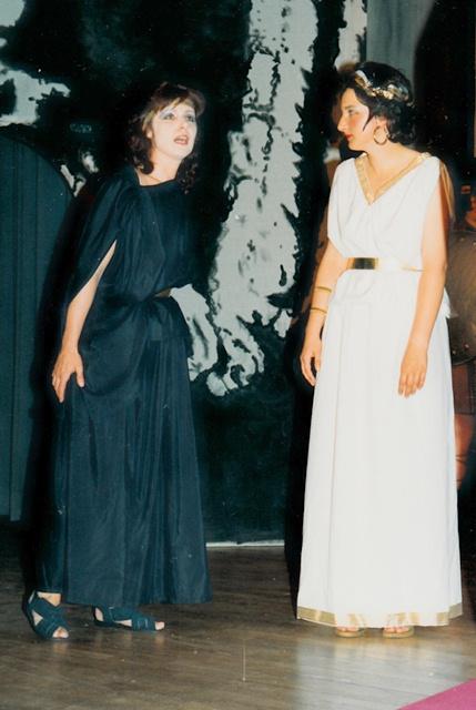 theaterverein-wetter-antigone-bild02