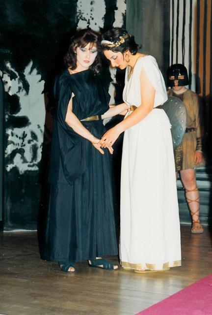 theaterverein-wetter-antigone-bild06