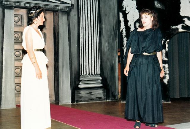 theaterverein-wetter-antigone-bild14