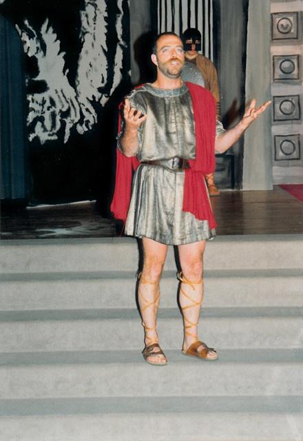 theaterverein-wetter-antigone-bild17