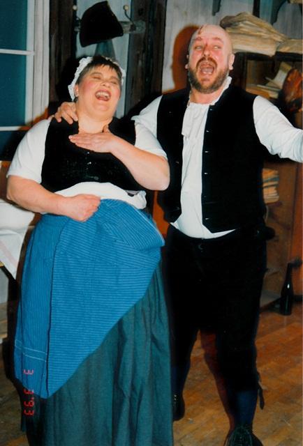 theaterverein-wetter-der-zerbrochene-krug-bild07