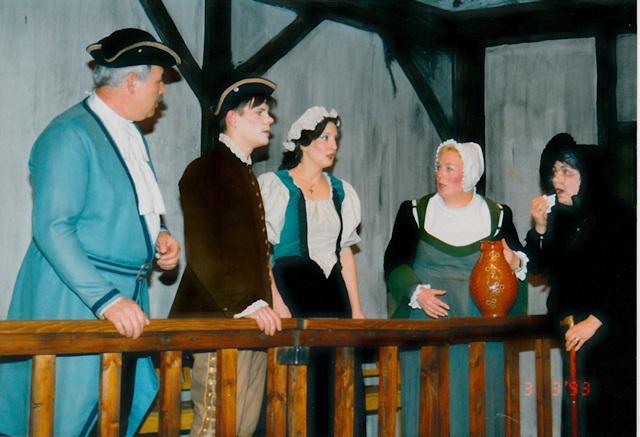 theaterverein-wetter-der-zerbrochene-krug-bild16