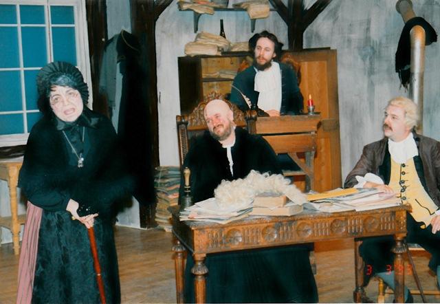 theaterverein-wetter-der-zerbrochene-krug-bild17