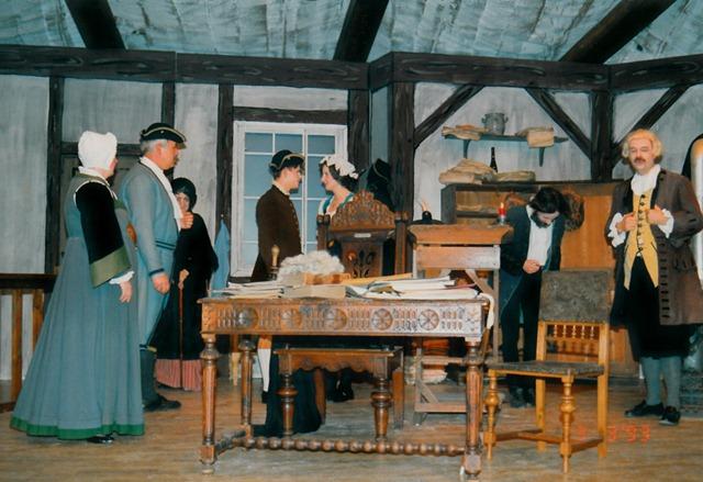 theaterverein-wetter-der-zerbrochene-krug-bild19