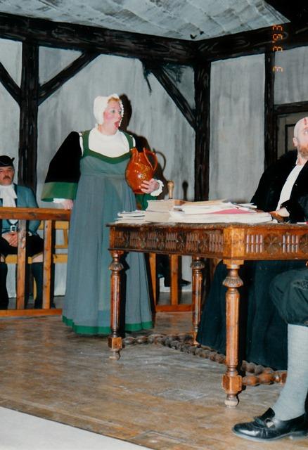 theaterverein-wetter-der-zerbrochene-krug-bild21