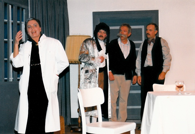 theaterverein-wetter-die-physiker-bild05