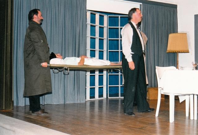 theaterverein-wetter-die-physiker-bild14