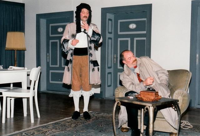 theaterverein-wetter-die-physiker-bild24