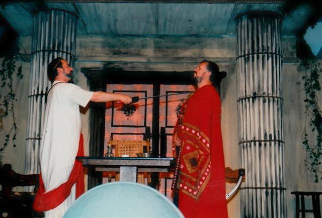 theaterverein-wetter-romulus-der-grosse-bild01