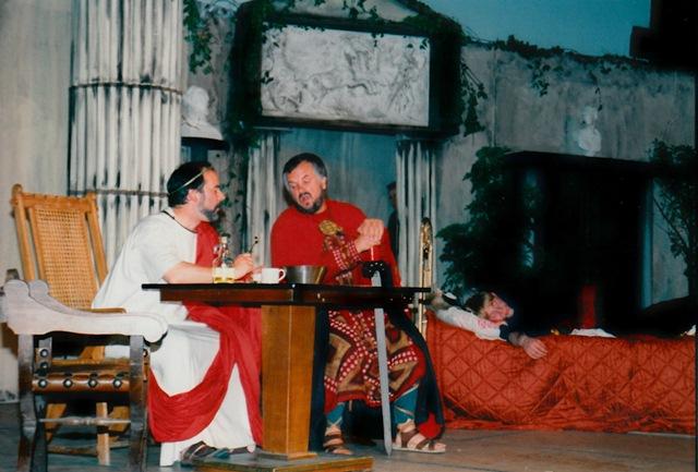 theaterverein-wetter-romulus-der-grosse-bild02