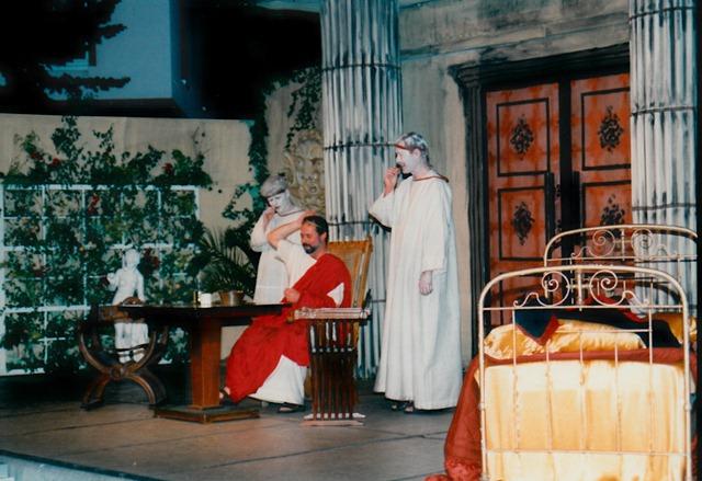theaterverein-wetter-romulus-der-grosse-bild05