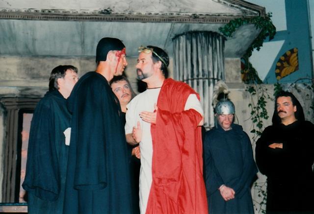 theaterverein-wetter-romulus-der-grosse-bild08