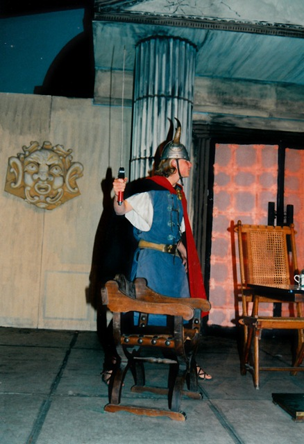 theaterverein-wetter-romulus-der-grosse-bild16