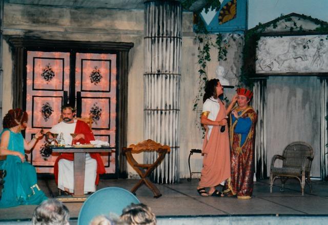 theaterverein-wetter-romulus-der-grosse-bild27