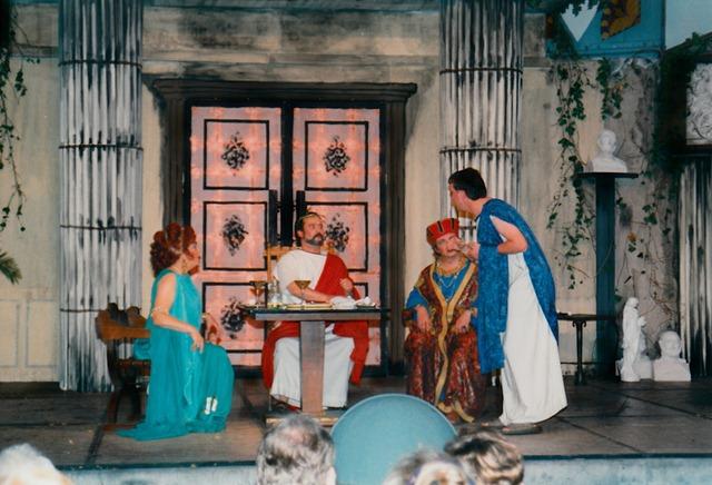 theaterverein-wetter-romulus-der-grosse-bild29
