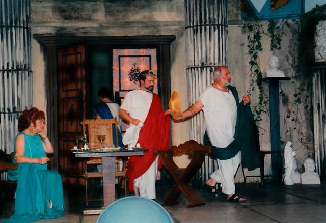 theaterverein-wetter-romulus-der-grosse-bild30