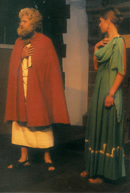 theaterverein-wetter-amphitryon-bild10