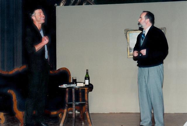 theaterverein-wetter-biedermann-und-die-brandstifter-bild01