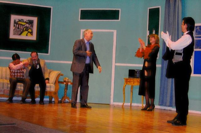 theaterverein-wetter-ausser-kontrolle-bild02
