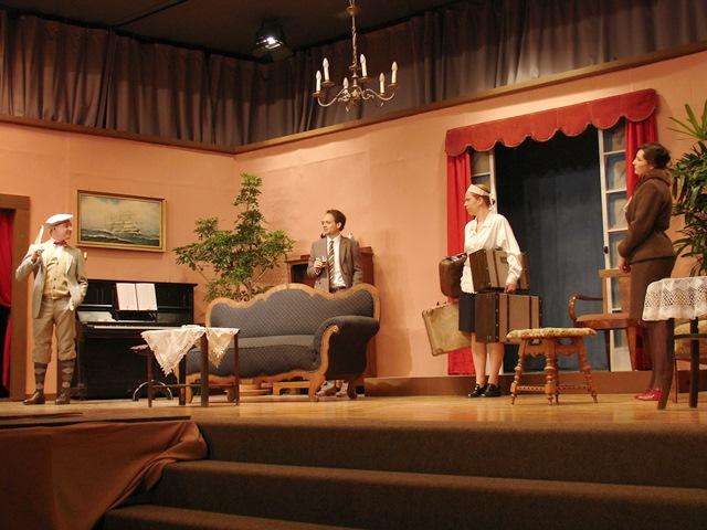 theaterverein-wetter-zehn-kleine-negerlein-bild01