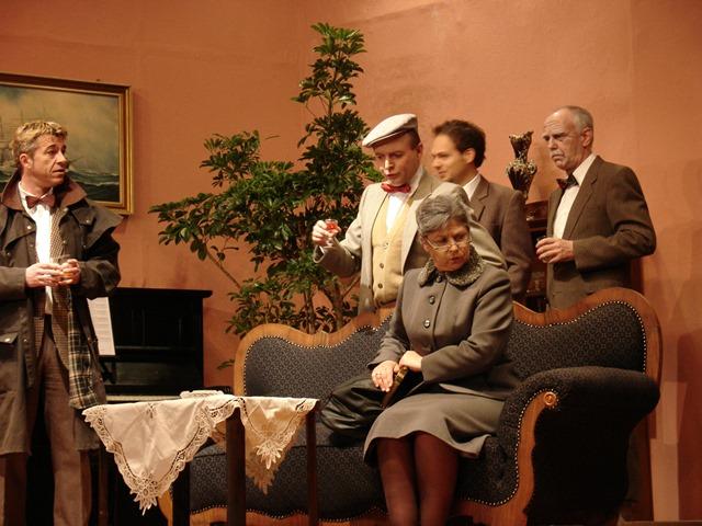 theaterverein-wetter-zehn-kleine-negerlein-bild05