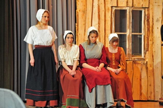 theaterverein-wetter-hexenjagd-bild-37