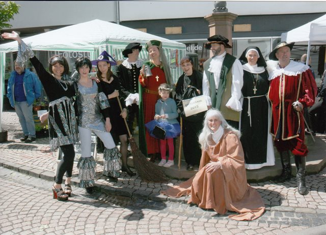 theaterverein-wetter-maimarkt2013-bild3