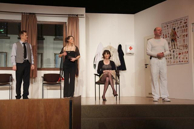 theaterverein-wetter-und-alles-auf-krankenschein-bild03
