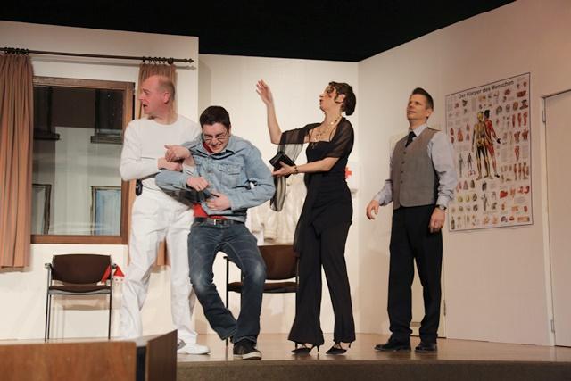 theaterverein-wetter-und-alles-auf-krankenschein-bild10