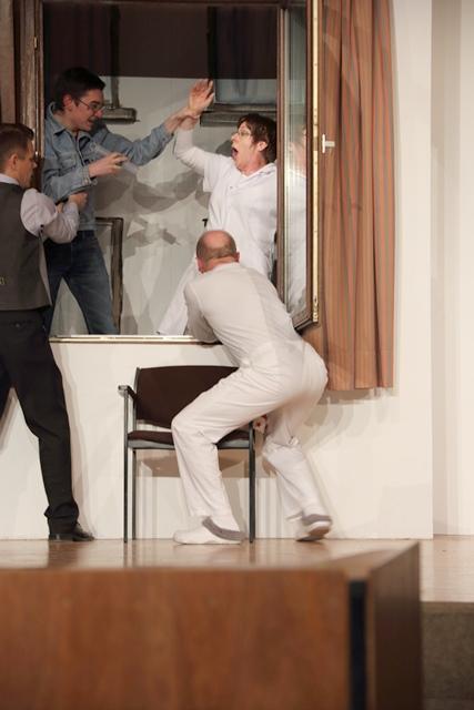 theaterverein-wetter-und-alles-auf-krankenschein-bild15