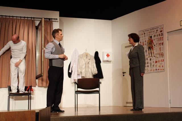 theaterverein-wetter-und-alles-auf-krankenschein-bild18