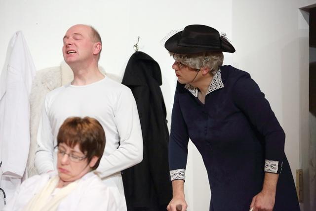 theaterverein-wetter-und-alles-auf-krankenschein-bild38
