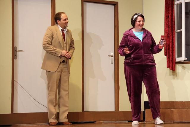 theaterverein-wetter-der-nackte-wahnsinn-premiere-10