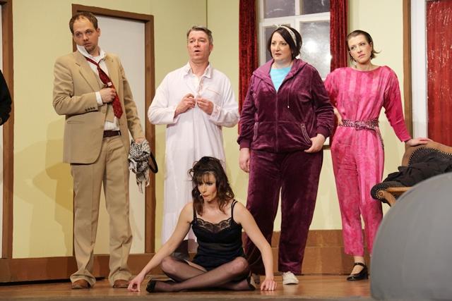 theaterverein-wetter-der-nackte-wahnsinn-premiere-2