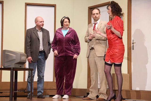 theaterverein-wetter-der-nackte-wahnsinn-premiere-28