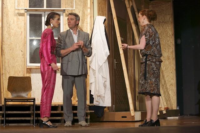 theaterverein-wetter-der-nackte-wahnsinn-premiere-3