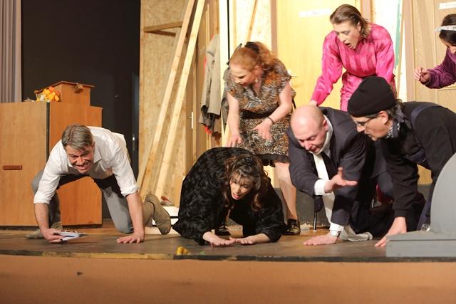 theaterverein-wetter-der-nackte-wahnsinn-premiere-6
