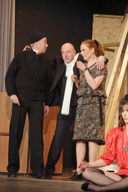 theaterverein-wetter-der-nackte-wahnsinn-premiere-63