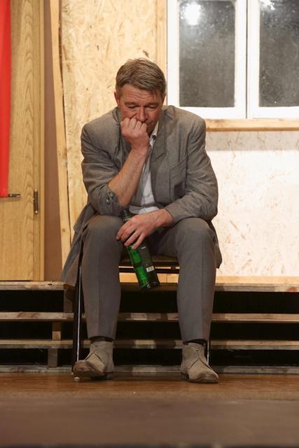 theaterverein-wetter-der-nackte-wahnsinn-premiere-65