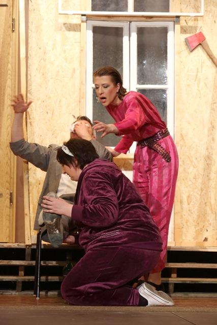 theaterverein-wetter-der-nackte-wahnsinn-premiere-68