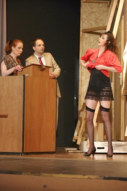 theaterverein-wetter-der-nackte-wahnsinn-premiere-71