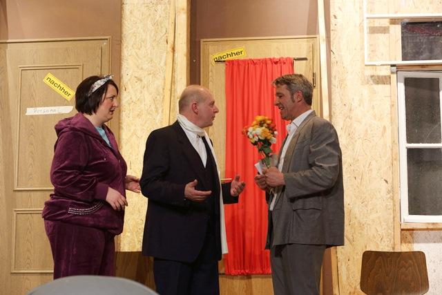 theaterverein-wetter-der-nackte-wahnsinn-premiere-76