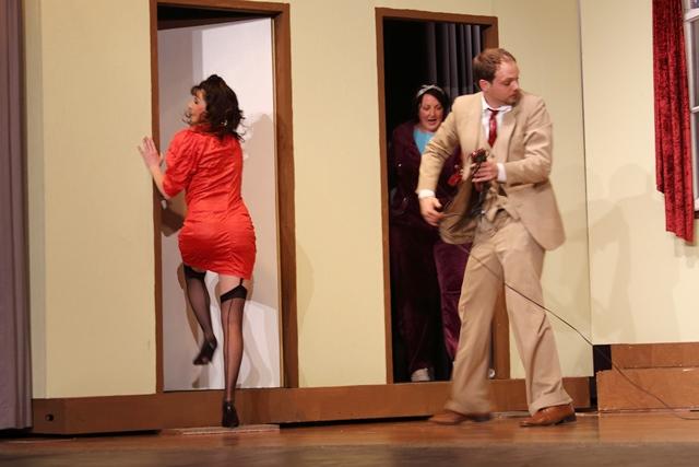 theaterverein-wetter-der-nackte-wahnsinn-premiere-88