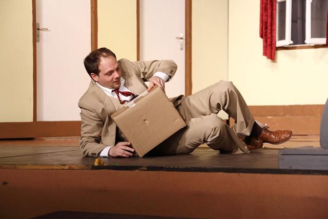 theaterverein-wetter-der-nackte-wahnsinn-premiere-9