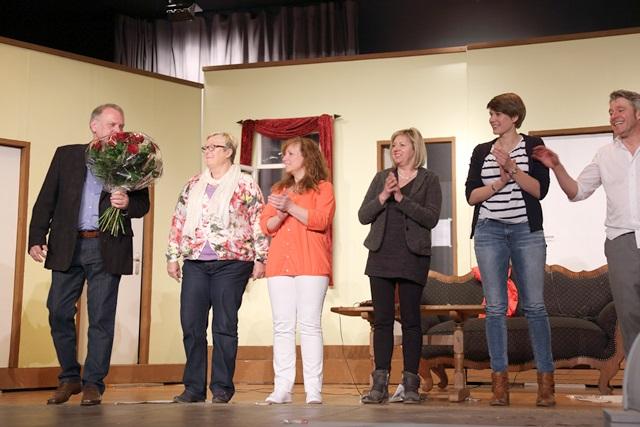 theaterverein-wetter-der-nackte-wahnsinn-premiere-98